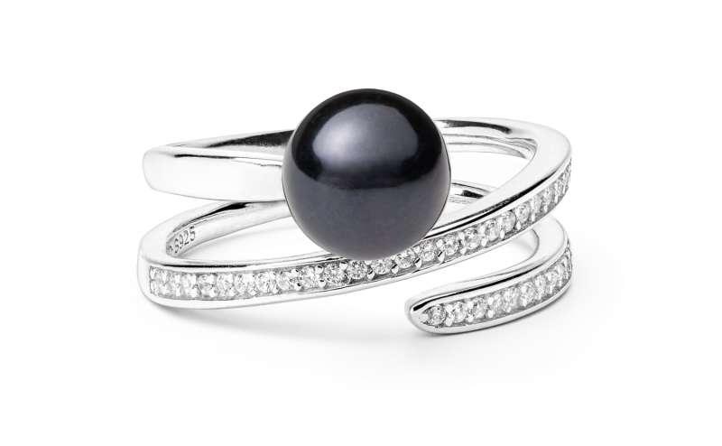 Geschwungener Ring mit schwarzer Perle 8-8.5 mm, Zirkonia, 925er rhodiniertes Silber, Gaura Pearls, Estland
